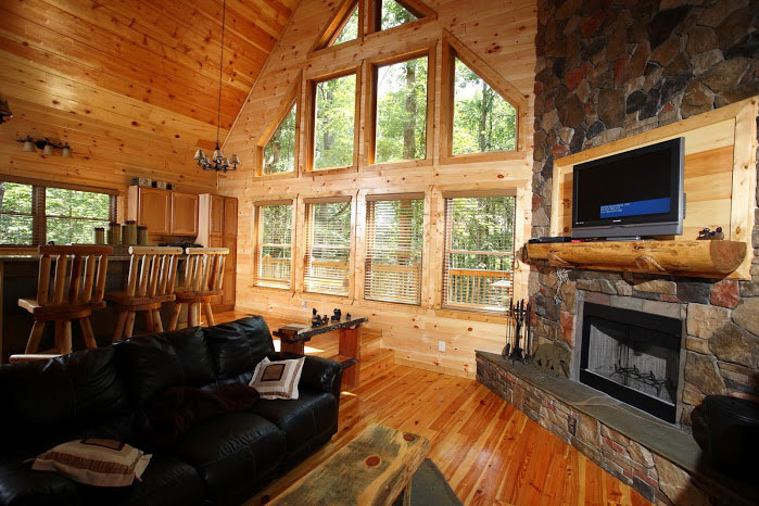 Great room w view of nature for Helen luxury cabin rentals