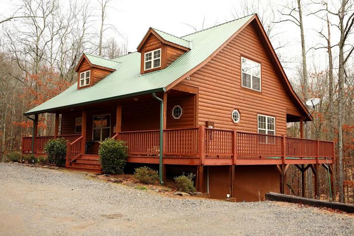 Holiday helen ga cabin rentals cedar creek cabin for Helen luxury cabin rentals