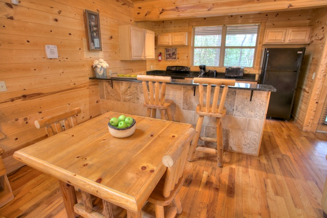 Cozy Dining w Real Log Furniture