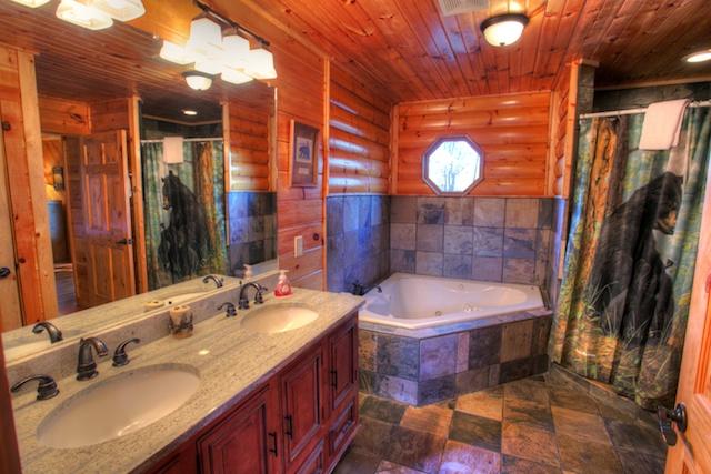 Whispering pines helen ga cabin rentals cedar creek for Helen luxury cabin rentals