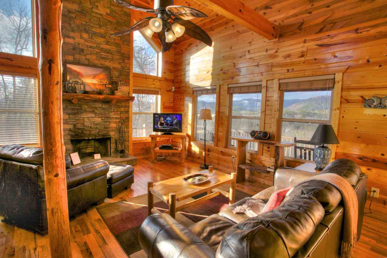 Summit Offers A Spectacular View Of The North Georgia Mountains By Day And  The Lights Of Helen, Georgia By Night. Ideal For 6 To 10 Guests, This Cabin  Gives ...